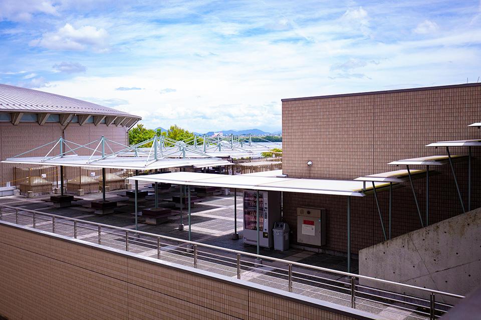 屋上広場2F(A展示室入口横の通路より)